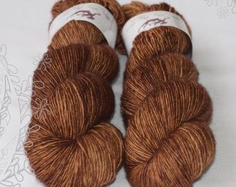 MERINO SLIGHT - Hickory - hand dyed yarn, 100% superwash extra fine merino, singles