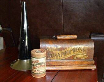 Antique Columbia Graphophone Type B #82461 with Horn & Edison Moulded Record