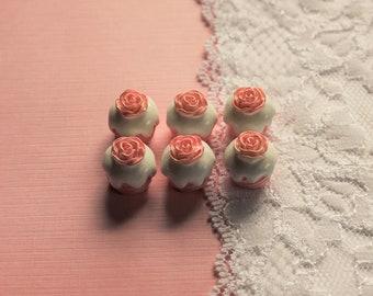 6 Pcs 3D Rose Cupcake Cabochons - 16x16mm