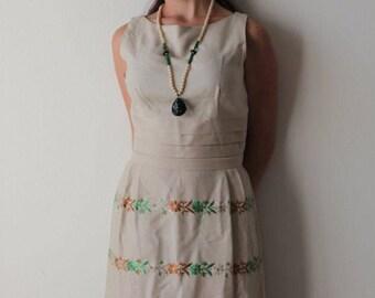 Vintage 60s Embroidered Madmen Sheath Wiggle Dress