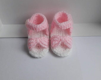 Hand-crocheted Baby Sandals with a bow - Newborn or 0-3 months