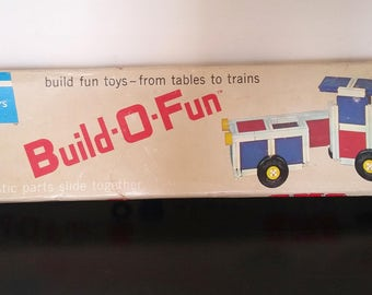 Vintage BUILD-O-FUN Tupper Toys 1965 Building Set