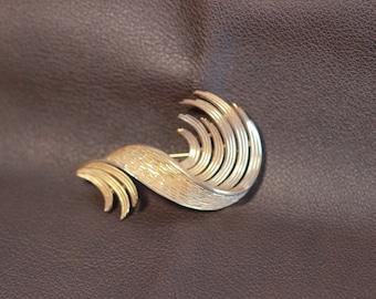 Vintage Trifari Gold Brooch