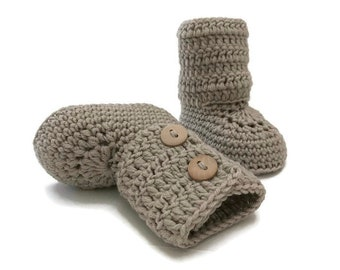 Brown Baby Booties, Crochet Baby Booties, Baby Boots, Baby Shoes, Baby Ugg, Baby Girl, Baby Boy, Baby Shower Gift, Newborn Baby Gift