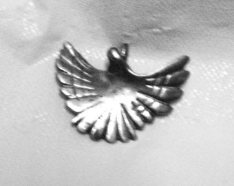 Free Shipping Vintage Cast Sterling Silver Dove Pendant