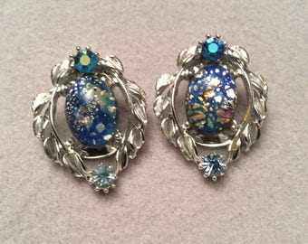 Amazing 1950s CONFETTI glass clip on earrings