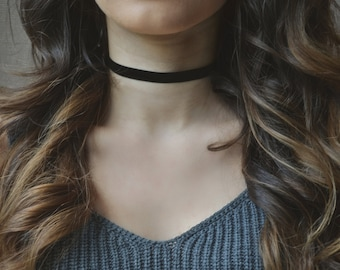 Black Velvet Choker - Thin Simple Choker