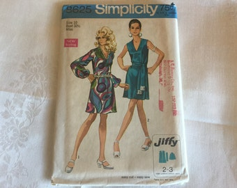 Vintage Simplicity FREE SHIP USA,Jiffy dress pattern, 8625 1960's Sleeves  or sleeveless