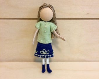 Calla - Pocket doll - Dollhouse doll - Miniature doll - Bendy doll - Faceless doll - Waldorf doll - Montessori toy