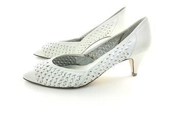 9.5 white pump, white heels, woven shoes, Wedding Shoe 50s Style White 1950s Shoes   Women Shoes Heels Pumps  Vintage Shoe Bridal