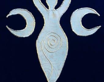 Moon Goddess Embroidered t-shirt