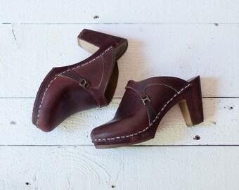 CARTWHEEL clogs | Vintage 1970s brown leather clogs | Vintage wood heel clogs