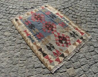 Turkish   Anatolian   Kilim  Rug   40,5''   X    53,9''  inches