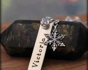 Snowflake name necklace, crystal snowflake personalized necklace,
