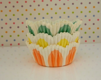Tulip Cupcake Liners / Baking Cups / Flowers / Supplies / Spring