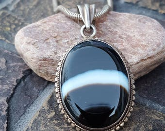 Banded Agate Pendant~Sterling Silver 925~Black Agate w/ White Banding~Vintage Pendant~Sterling Pendant~Black & White Jewelry~JewelsandMetals