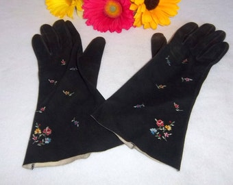 Soft Leather Embroidered Driving Gloves Very Dainty Ladies Hands Protector - Vintage Accessory Wear