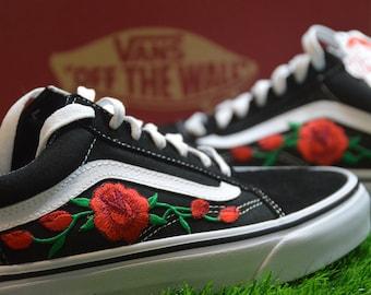 vans con le rose rosse