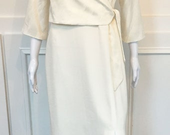 1990s Ivory/Off-White Silk Look Faux Wrap Dress—Size US 6  (10226CL)