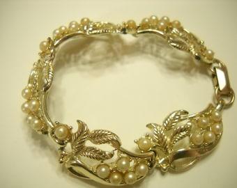 Vintage Faux Pearl Link Bracelet (9417)