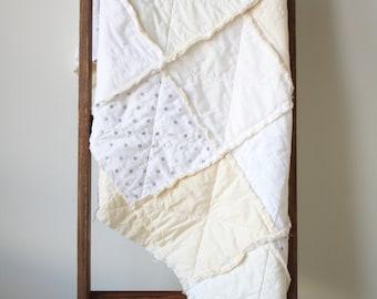 White crib quilt - Neutral baby quilt - White nursery bedding - Crib rag quilt - Baby rag quilt