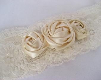 Wedding garter Handmade Lace Broach Flowers Roses Ivory Bridal Accessories