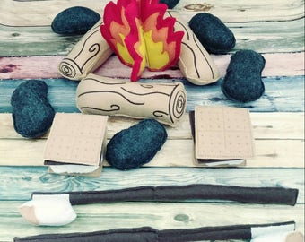 Kids Campfire set - photography prop - pretend campfire - pretend play - camping - Bonfire - felt food - toy fire - play set for two