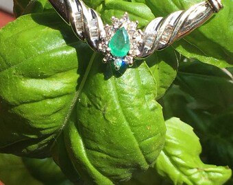 Emerald/diamond necklace 10k solid gold