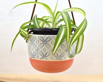 Hanging planter - medium - coral