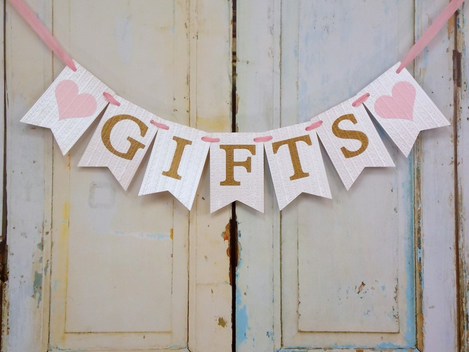 Gifts banner with hearts cream pink and gold banner wedding - Decoration baby shower fait maison ...