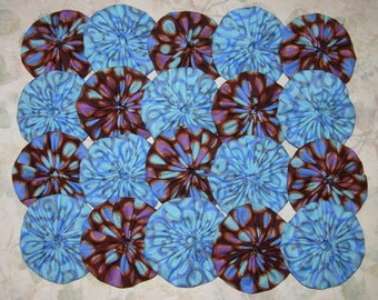 Fabric YoYos, Blue Polka Dot, 2 Inch Size,  Appliques, Quilting, Embellishments