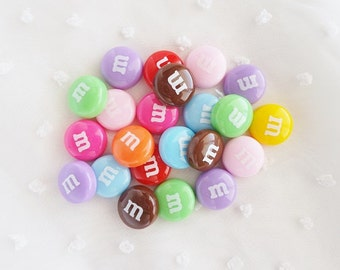 9pcs ((LAST)) Colorful Candy Coated Chocolate Flatback Decoden Cabochon (14mm) CY10033