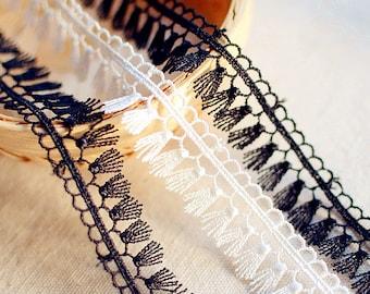 Black White Lace Trim Tassels Trim Vintage Style Lace Tassels for Sewing Crafts Width 1.9cm r147 (1 yard)