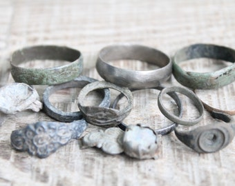 digging finds set of 12 antique rings and parts of rinngs ... antique jewelry ... found objects ... vintage ring ... excavations finds