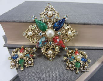Gorgeous Sarah Coventry Aurora Borealis and Faux Pearl Brooch/Pendant & Clip-On Earrings Set