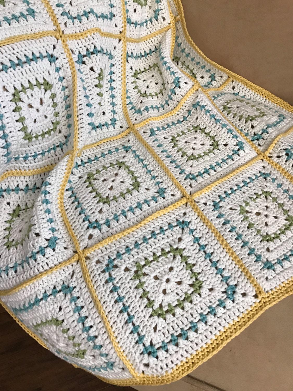 Crochet Baby Blanket Pattern - #Chunky Squares #Crochet Baby Blanket ...