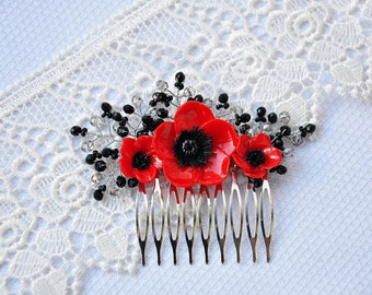 Flower Poppy Hair Comb.  Bridal Hair Comb, Bridesmaids Hair Comb. Comb with poppies in her hair.