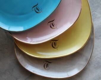 """Old English Monogram 'T', Square Ceramic 8"""" Plate Set, Multicolor"""