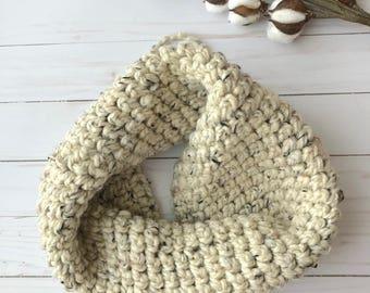 Chunky Crochet Cowl, Oatmeal