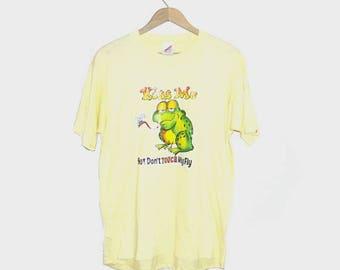 1980s t shirt / vintage 80s tshirt / large l / humor / Kiss Me Frog T-Shirt
