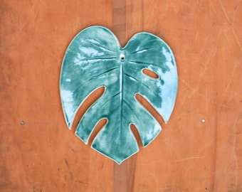 Monstera Leaf Wall Hanging - Forest Green - Pottery, Ceramic - Handmade - Tropical leaf, Philodendron - Gifts for Plant Lovers