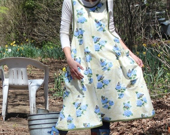 XS- 5X No Ties Apron in Lilacs and Butterflies, includes Plus Size
