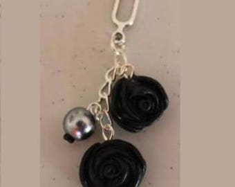 Pendant 2 black roses, silver chain