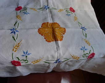 embroidered doily vintage coton