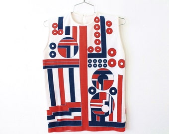 SMALL Vintage 1970s Texturized Polyester Sleeveless Shirt