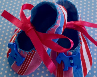 Candy Striped Baby Booties with Blue Scottie Dog Buttons - Small