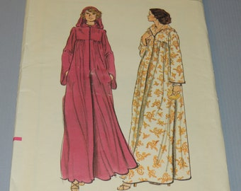 VOGUE 9305 sz 12 Uncut Hooded Robe Pattern