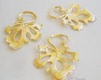 2pcs of gold leaf earring chandelier 24x32mm