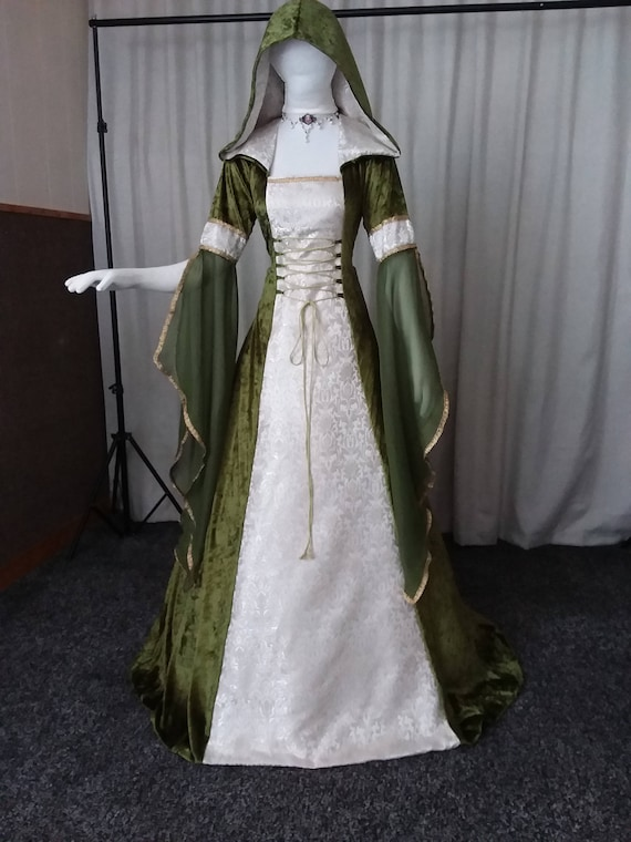 Medieval renaissance clothing Celtic wedding dress fae