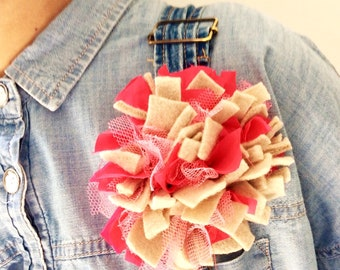 Mixed fabric brooch corsage